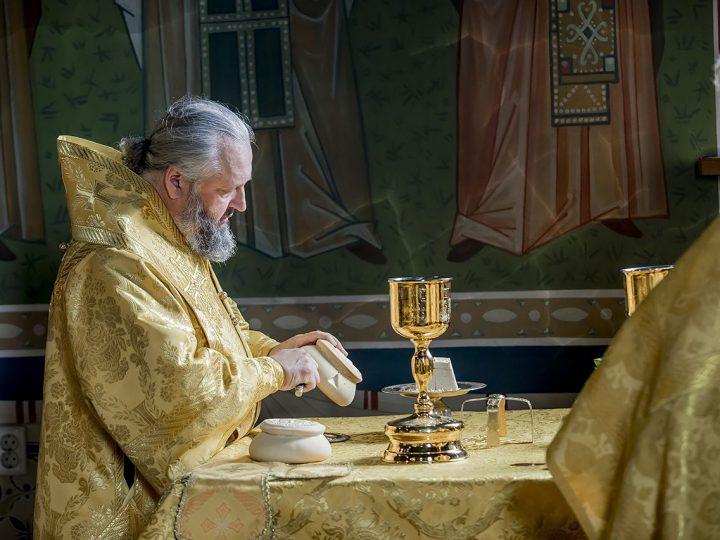 В день памяти святителя Иоанна Тобольского митрополит Аристарх совершил Литургию в Берёзовском