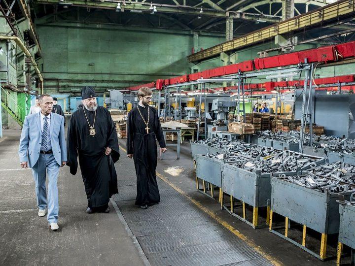 Глава митрополии встретился с коллективом Кемеровского механического завода