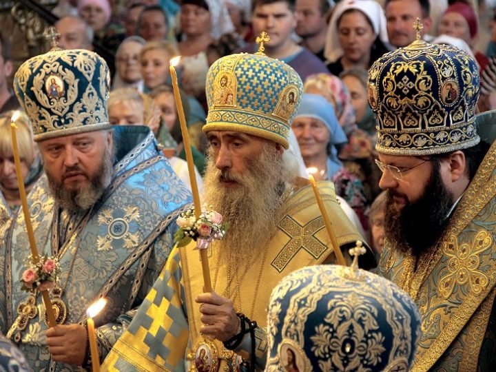 Митрополит Аристарх принял участие во Всенощном бдении в навечерие празднования Смоленской иконы Божией Матери