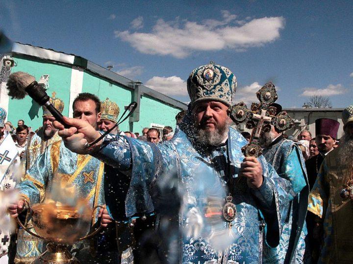 Митрополит Аристарх принял участие в праздничной Литургии в Свято-Успенском кафедральном соборе Смоленска