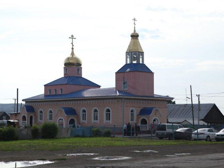 Митрополит Аристарх возглавил торжества в Ильинском храме Краснобродского