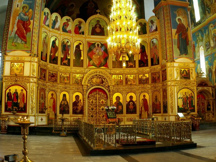 В неделю о Страшном Суде глава митрополии служил в главном храме Кузбасса