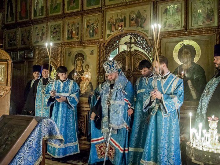 Митрполит посетил приход иконы Божией Матери «Всех скорбящих Радость» в канун престольного дня