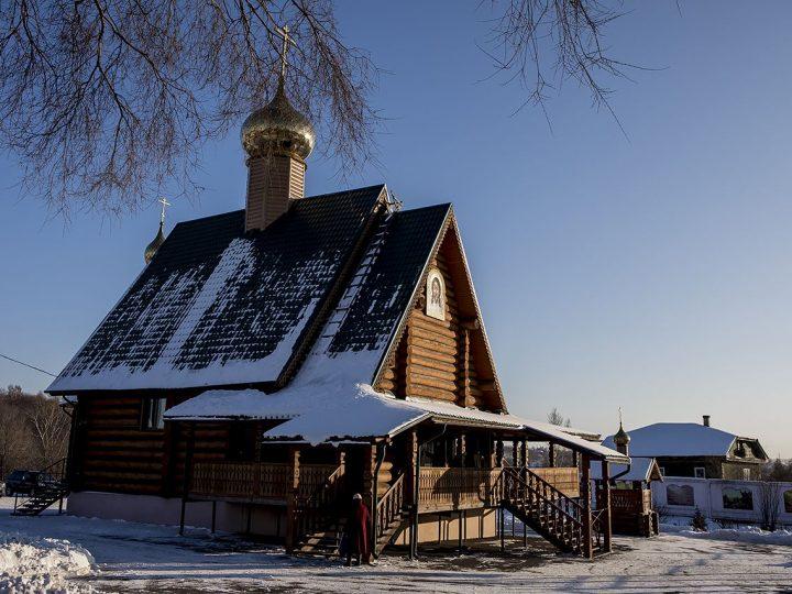 Визит главы митрополии в Прокопьевск начался с богослужения в храме праведного Прокопия Устюжского