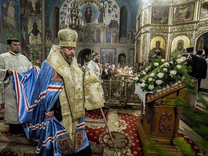 С нами Бог! В Кузбассе встретили Светлое Христово Рождество