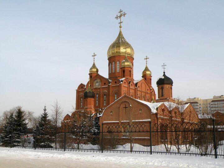 Митрополит Аристарх возглавил богослужения недели о Страшном Суде в Знаменском соборе