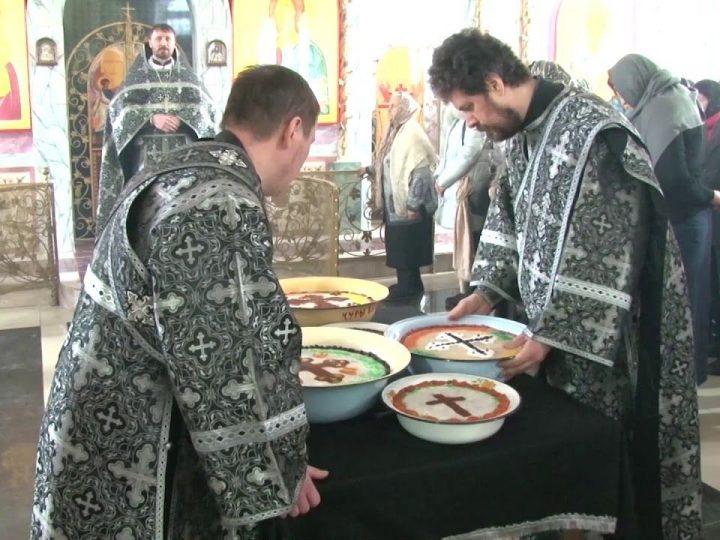 Литургия Преждеосвященных даров в Троицком храме Кемерова