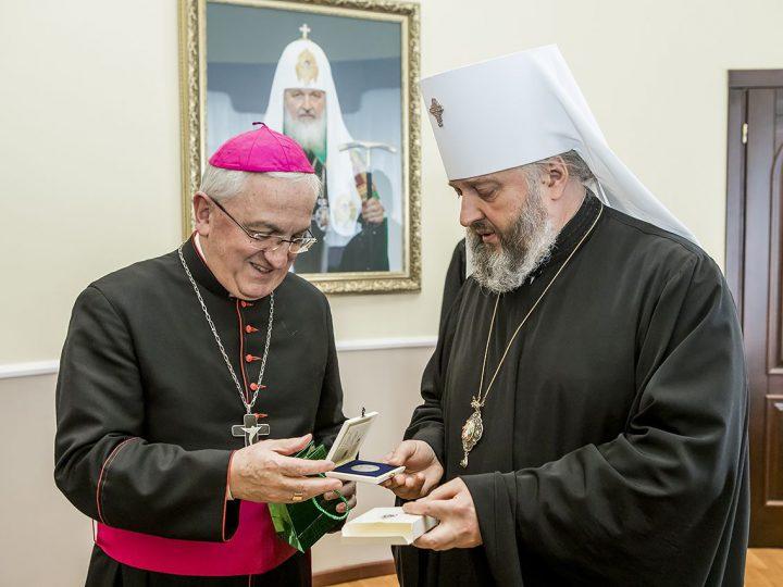 Митрополит Аристарх встретился с новым нунцием Римо-Католической Церкви