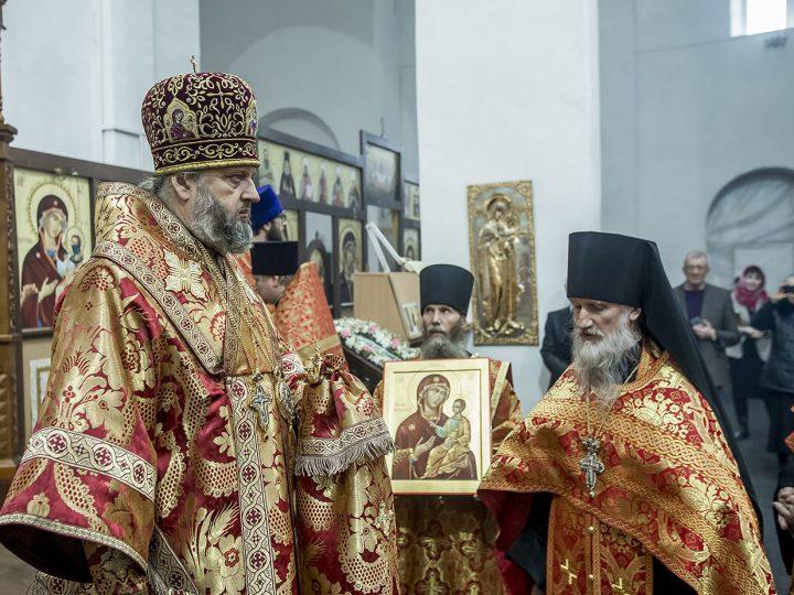 В Светлый четверг митрополит Аристарх совершил вечернее богослужение в Иверском мужском монастыре