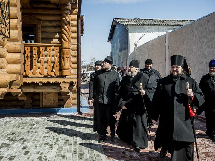В неделю антипасхи глава митрополии посетил Петропавловский храм Анжеро-Судженска в Мариинской епархии