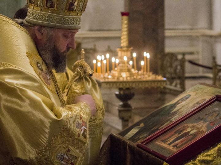 Глава митрополии совершил молебен в день памяти святых равноапостольных Кирилла и Мефодия