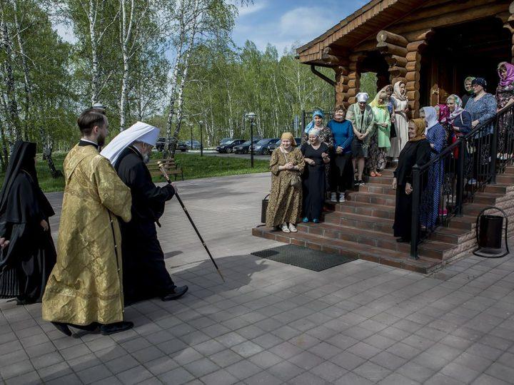 Митрополит Аристарх совершил Всенощное бдение в храме Всех святых в канун престольного дня