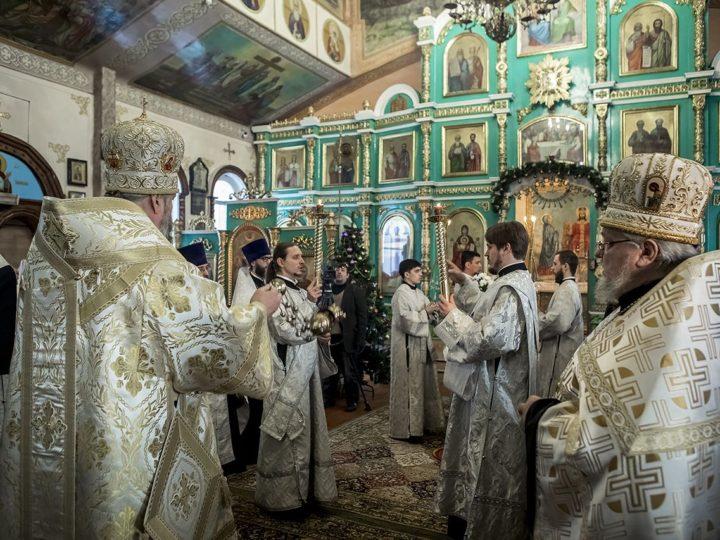 Митрополит совершил Всенощное бдение в беловском храме