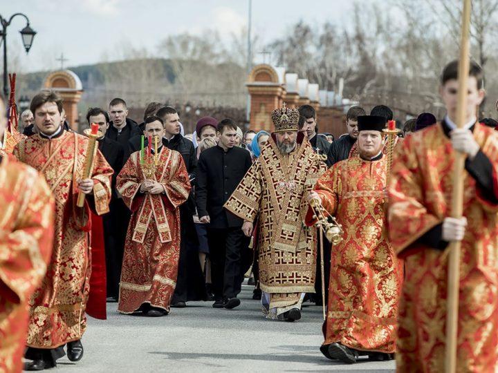 Глава митрополии посетил собор Рождества Христова в Новокузнецке и Кузбасскую православную духовную семинарию