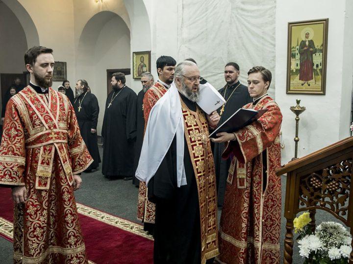 В Светлую пятницу митрополит Аристарх совершил вечернее богослужение в Иверском мужском монастыре