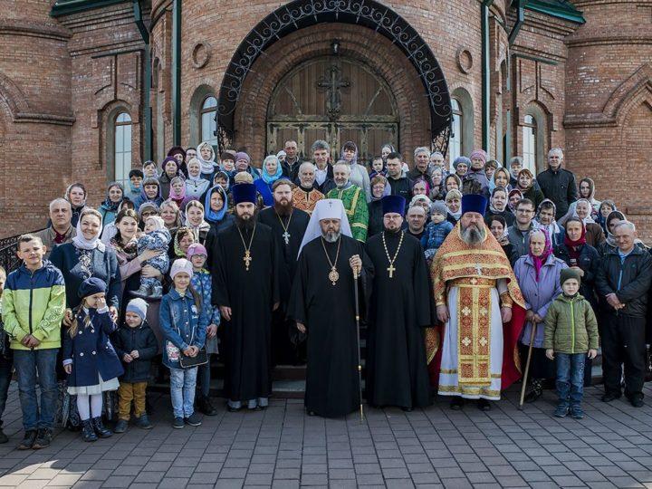В субботу Светлой седмицы митрополит совершил Литургию в храме праведного Иоанна Кронштадтского города Березовского
