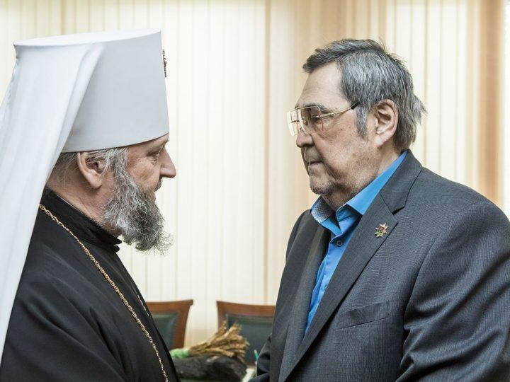 Митрополит Аристарх поздравил Амана Тулеева с награждением орденом «За заслуги перед Отечеством»
