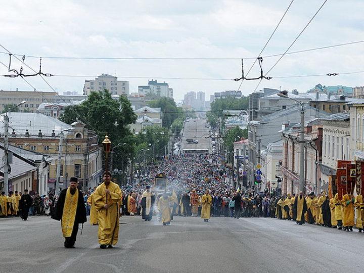 Глава Кузбасской митрополии принял участие в первом дне шествия Великорецкого крестного хода
