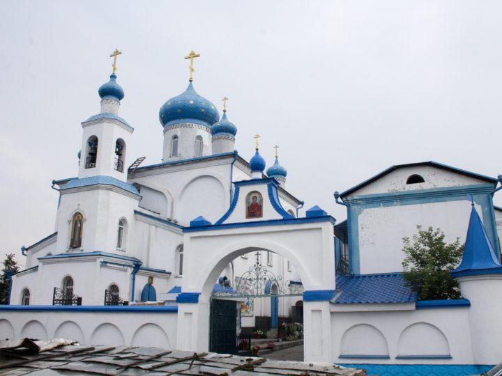 Митрополит возглавил торжества престольного дня Серафимо-Покровской обители