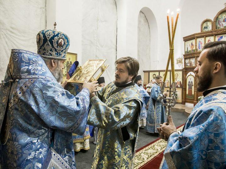 Митрополит возглавил торжества престольного дня мужского монастыря