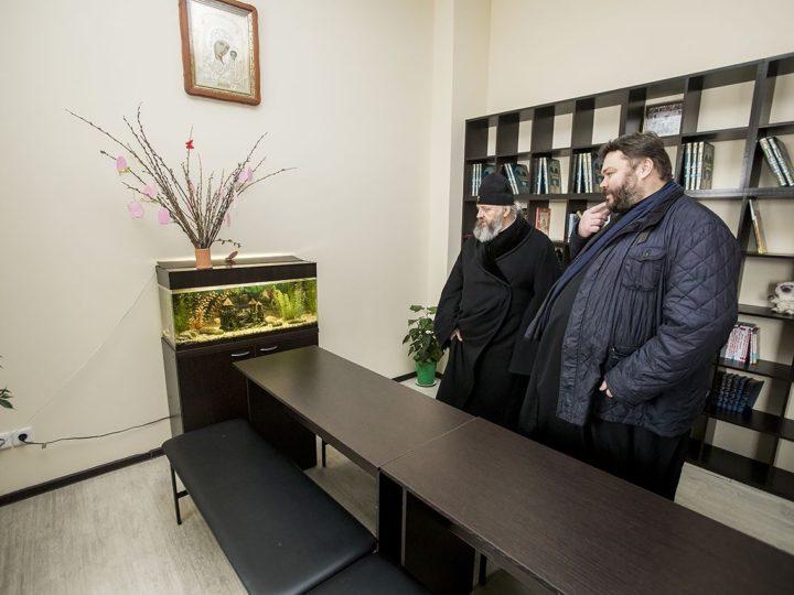 Глава митрополии посетил Казанский храм в Кемерове