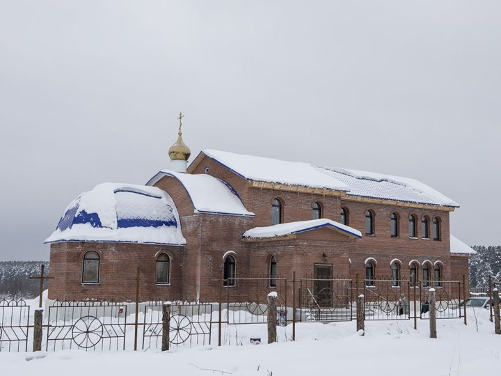 В селе Андреевка освящён новопостроенный храм подворья Свято-Успенского женского монастыря