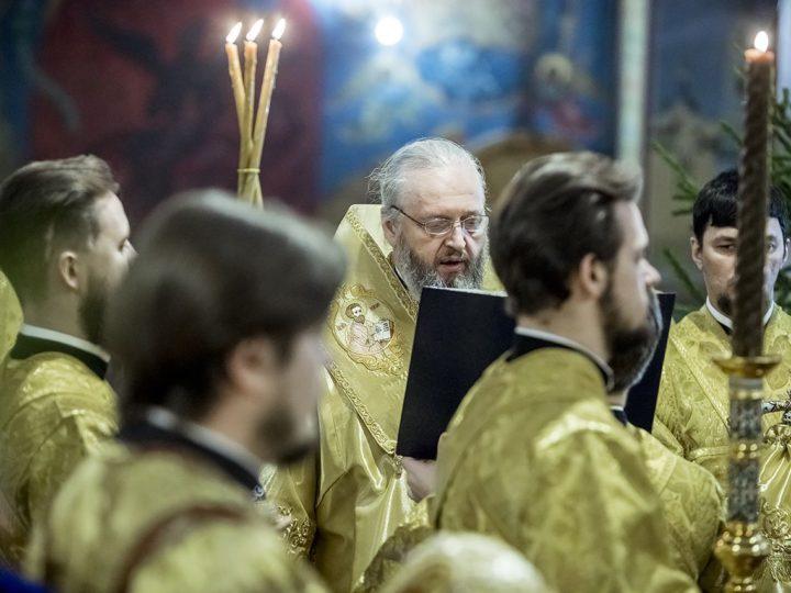 Митрополит Аристарх совершил благодарственный молебен в кафедральном соборе в день своего рождения