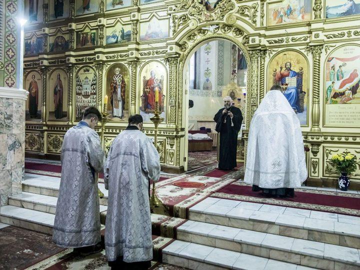 В канун недели по Рождестве Христовом глава митрополии совершил богослужение в Прокопьевске