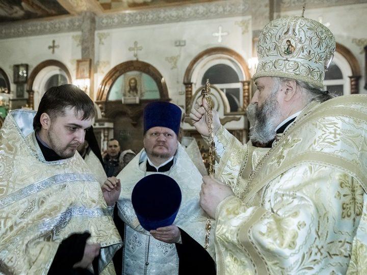 Митрополит Аристарх совершил Всенощное бдение в Вознесенском храме Белова