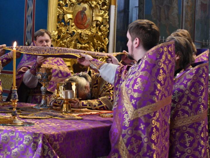 Митрополит Аристарх совершил богослужения четвёртой недели Четыредесятницы в кафедральном соборе Кемерова