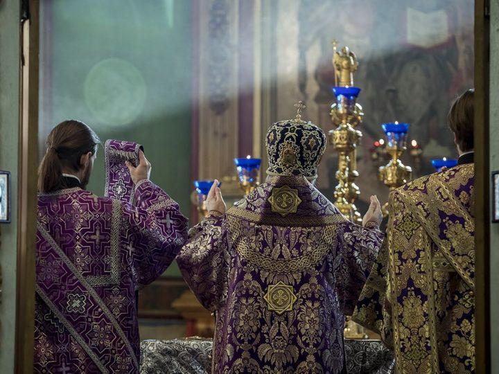 Митрополит Аристарх завершил поприще первой седмицы Четыредесятницы в Иверском храме Кемерова