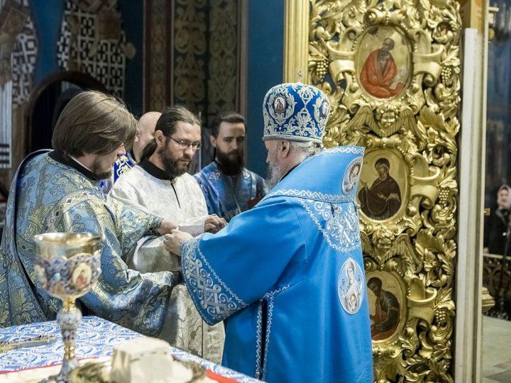 В праздник Благовещения митрополит совершил диаконскую хиротонию
