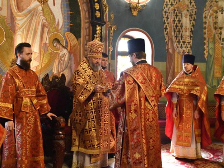 Антипасха. В неделю о Фоме митрополит совершил богослужения в Знаменском соборе Кемерова