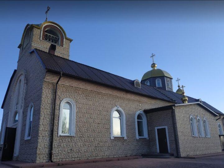 Великий Вторник. Глава митрополии совершил богослужение в Никольском соборе Кемерова