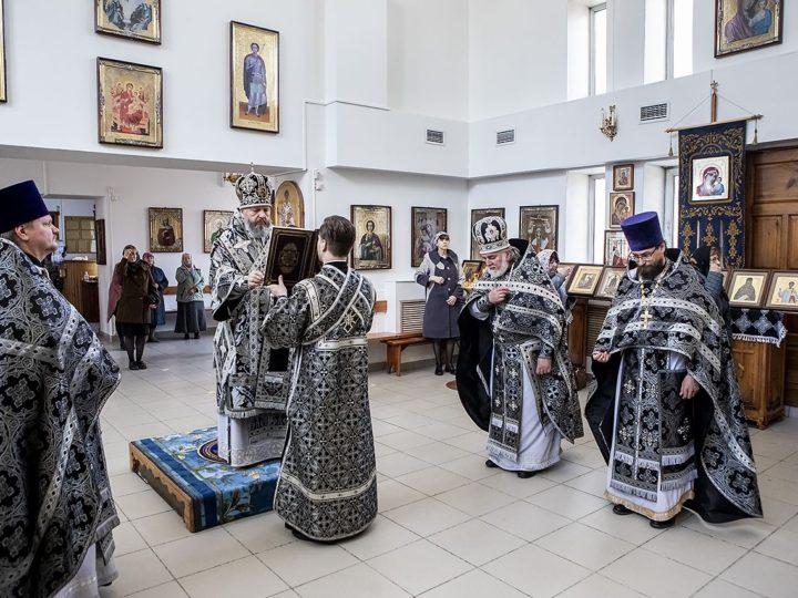 Великая среда. Митрополит совершил последнюю в 2020 году Литургию Преждеосвященных Даров