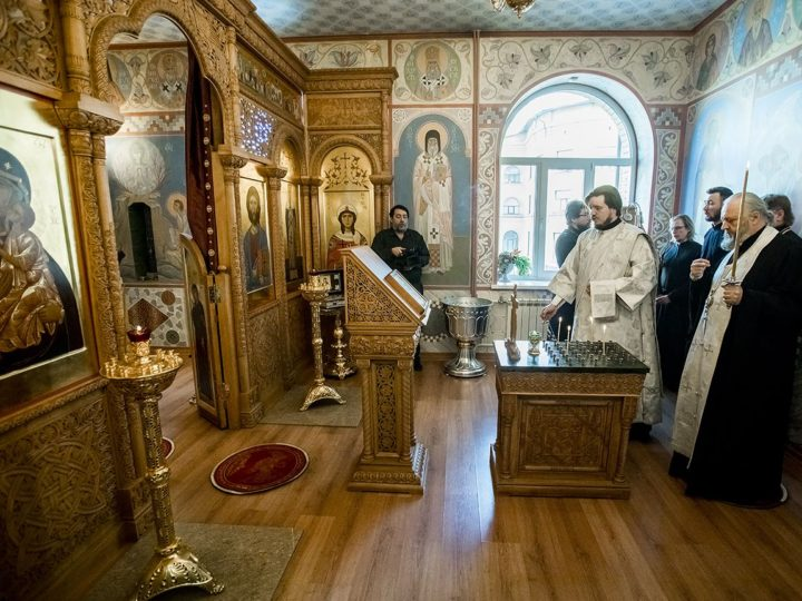 Митрополит Аристарх помолился о почивших православных иерархах