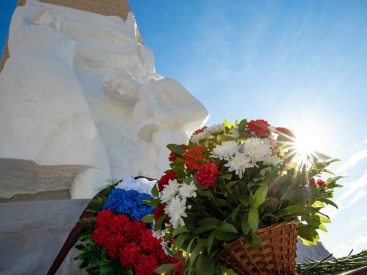 Митрополит Аристарх принял участие в мемориальных мероприятиях Дня памяти и скорби