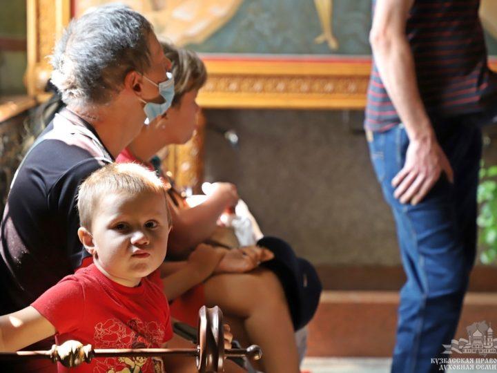 В Новокузнецке люди с ограниченными возможностями здоровья посетили собор Рождества Христова