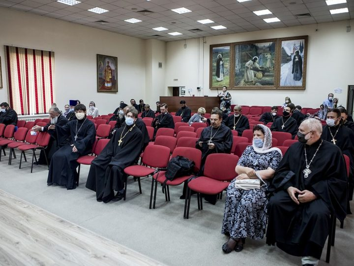 25 августа 2020 г. Вручение общецерковных и епархиальных наград в Кемеровском епархиальном управлении