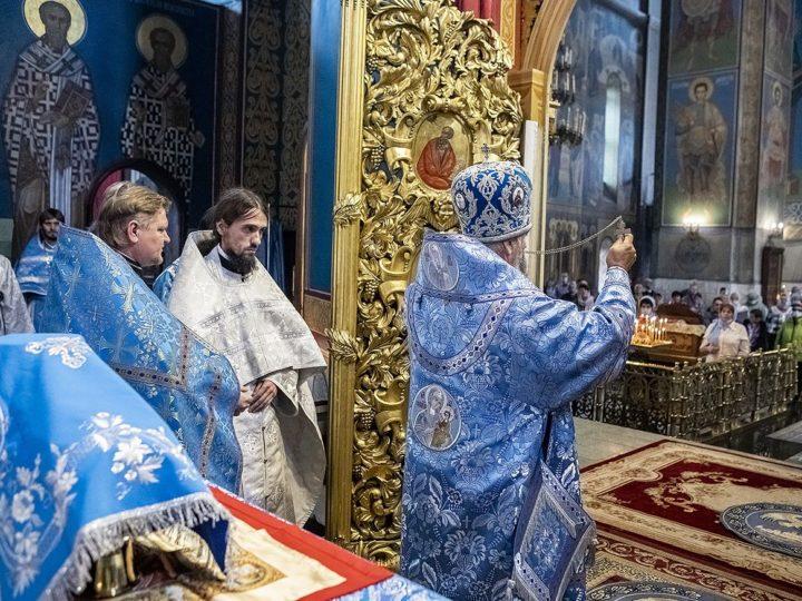 В праздник Успения Богородицы митрополит совершил две хиротонии