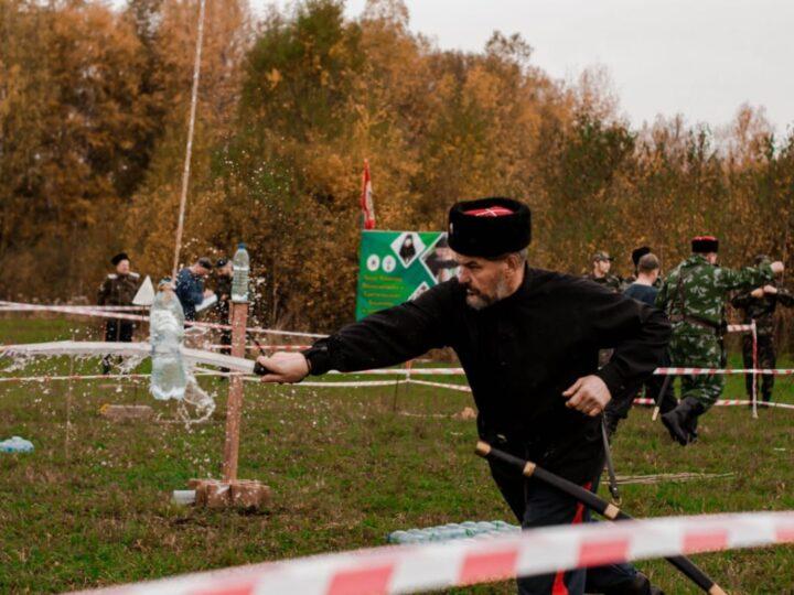 В Новокузнецком районе прошли соревнования по рубке шашкой