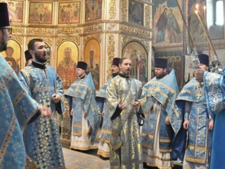 В праздник Рождества Пресвятой Богородицы глава митрополии совершил Божественную литургию в кафедральном соборе Кемерова