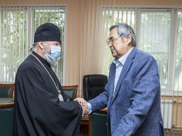 Глава Кузбасской митрополии встретился с Аманом Тулеевым