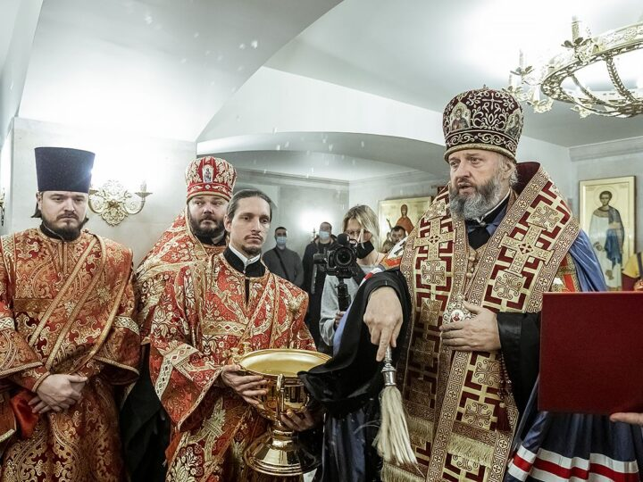 Митрополит благословил начало богослужебной жизни в Михайловском храме рядом с посёлком «Европейские провинции»