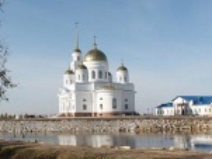 Глава Казахстанского митрополичьего округа освятил Воскресенский собора города Кокшетау