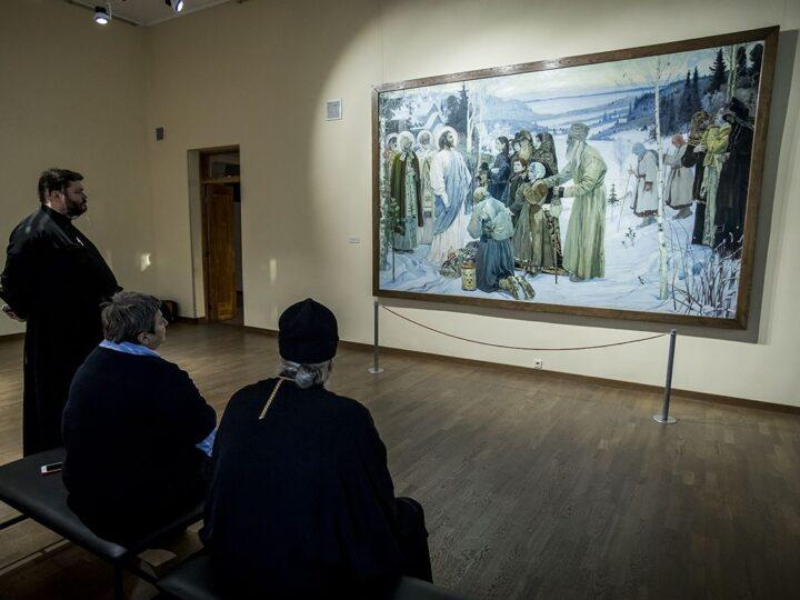 Митрополит Аристарх посетил выставку картин из фондов Русского музея