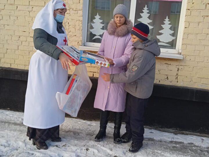 Прихожане Казанского храма в Школьном уделили внимание детям с ограниченными возможностями здоровья