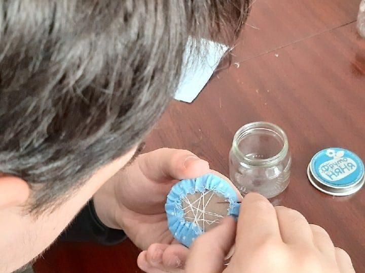 Участники православного молодёжного клуба «Восхождение» сделали подарки для мам