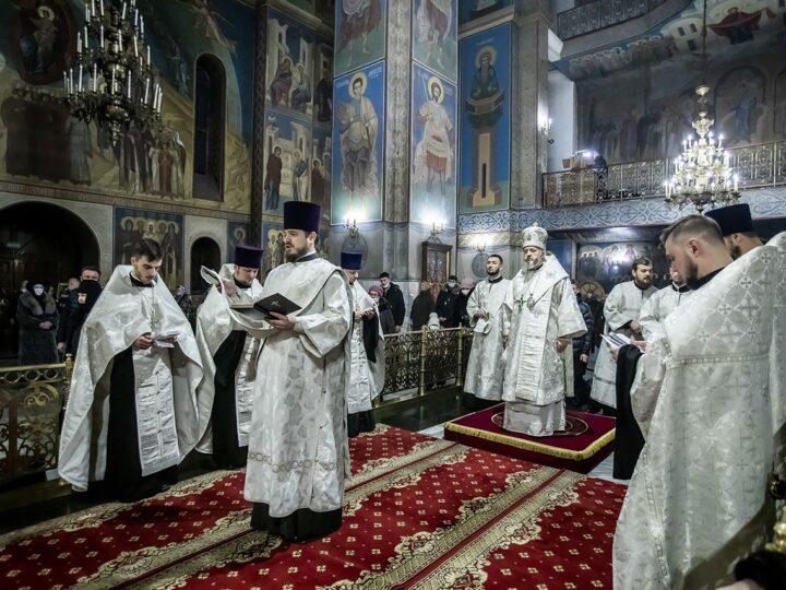 В Кемеровской епархии помолились о всех жертвах коронавирусной инфекции