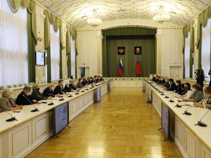 Глава митрополии принял участие во встрече губернатора Кузбасса с членами Общественной палаты Кемеровской области